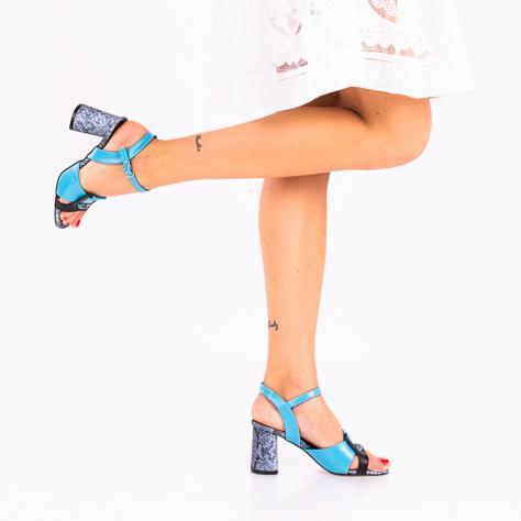 https://www.pantofi-trendy.ro/image/cache/data/zzzzzzzzzz9/!00004/DSC_1553-2-1000x1000.jpg