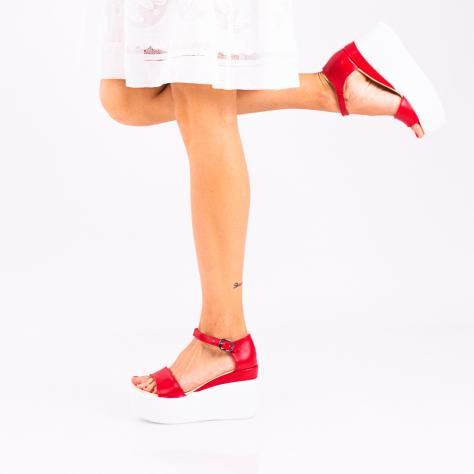 https://www.pantofi-trendy.ro/image/cache/data/zzzzzzzzzz9/!00004/DSC_1578-2-1000x1000.jpg