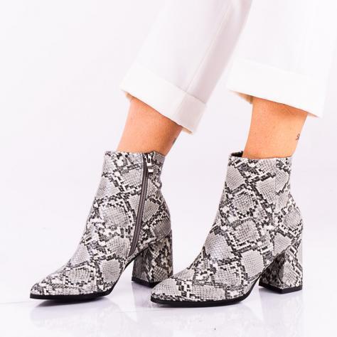 https://www.pantofi-trendy.ro/image/cache/data/zzzzzzzzzzz80/DSC_3892-1000x1000.jpg