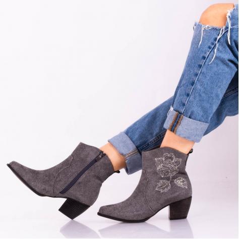 https://www.pantofi-trendy.ro/image/cache/data/zzzzzzzzzzz95/11/DSC_8069-1000x1000.jpg